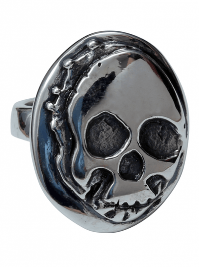 """Creeper Skull"" Ring by Femme Metale - www.inkedshop.com"