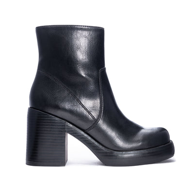 CHINESE LAUNDRY - GROOVY 90s STYLE ANKLE BOOT