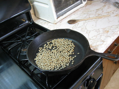 pan roasting green coffee beans