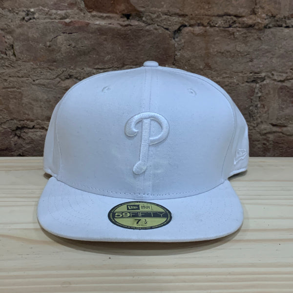 Phillies White Fitted 7 1/2