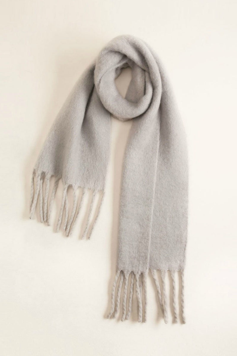Look Chunky Fringe Scarf in Grey