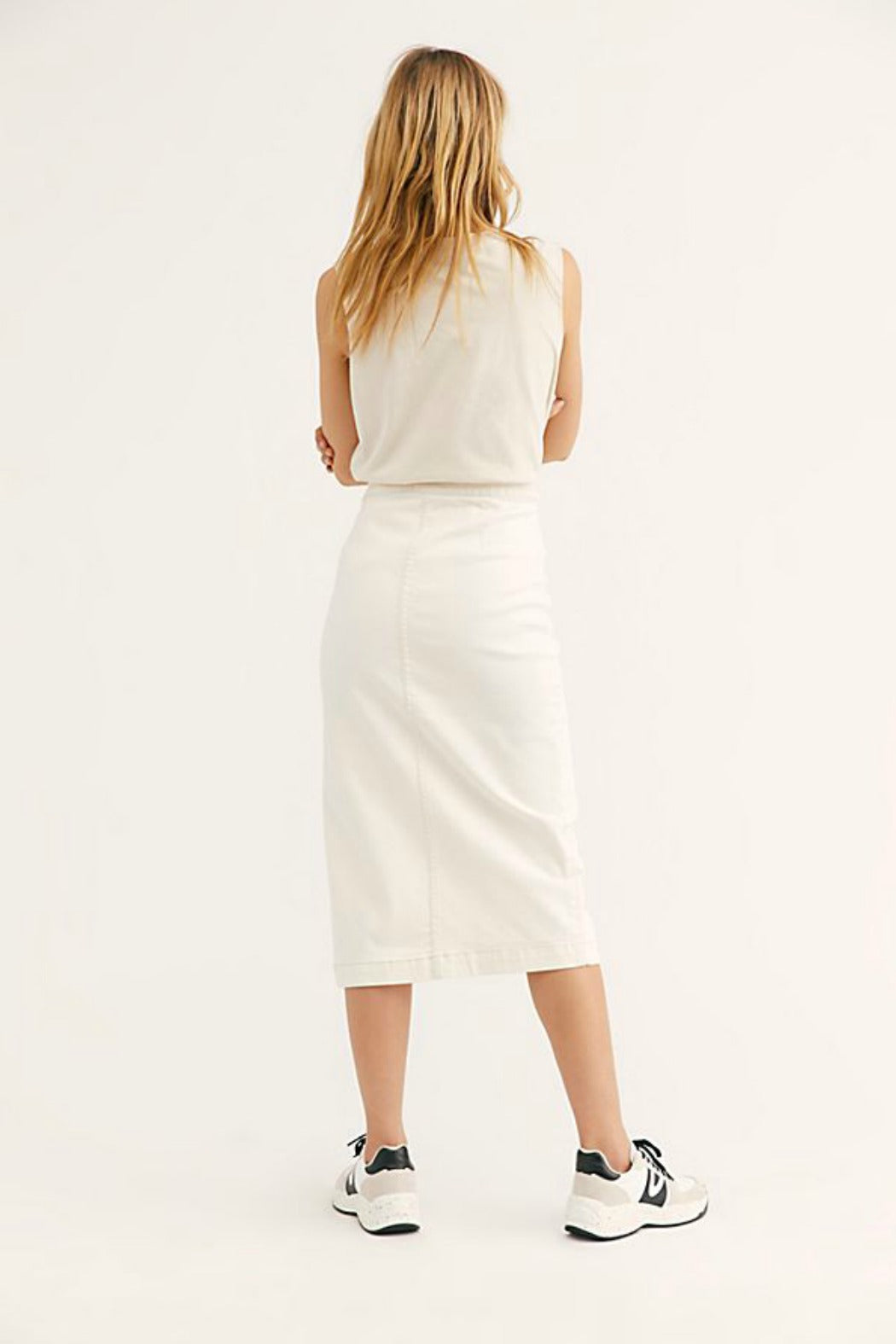 827ac29bc Free People Jasmine Buttoned Midi Skirt in White – Queen of Hearts ...