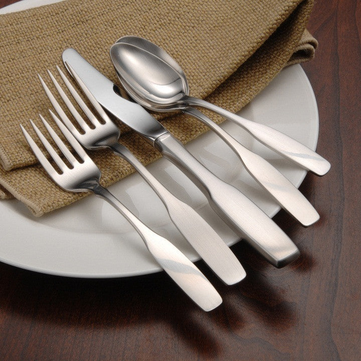 Oneida Paul Revere 66 Piece Fine Flatware Set, Service for 12 - Finest Flatware - Extra 25% Off Code FLASH25