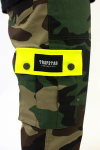 Decoded Cargo Pants - Green Camo/Neon Yellow