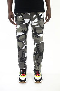 Decoded Cargo Pants - Grey Camo/Neon Pink