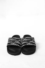 Load image into Gallery viewer, Trapstar Signature Slides - Black/White