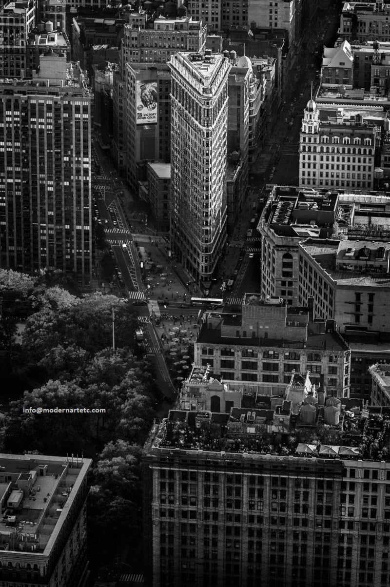 New York City Architectural Landscapes – 16 Flatiron black and white