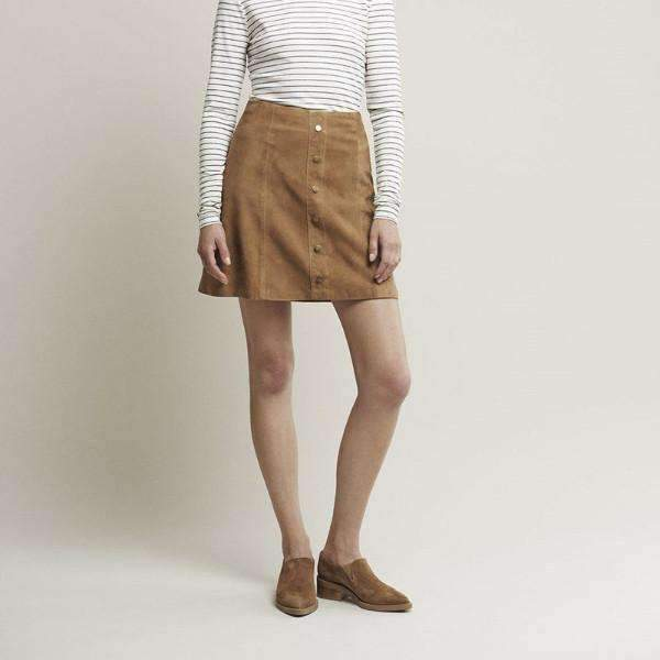 KRISTIN GESTUZ SUEDE SKIRT MODEL VIEW