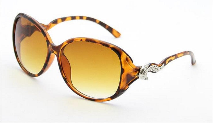 Elegant Women's Wild Fox Sunglasses