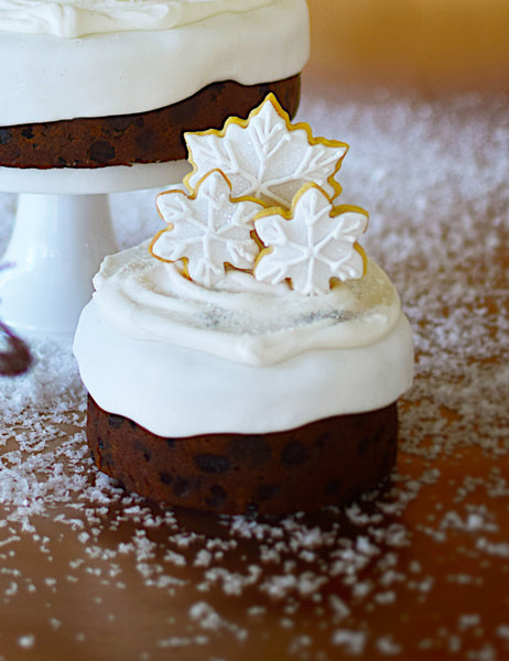 Medium Snowflake Christmas Cake