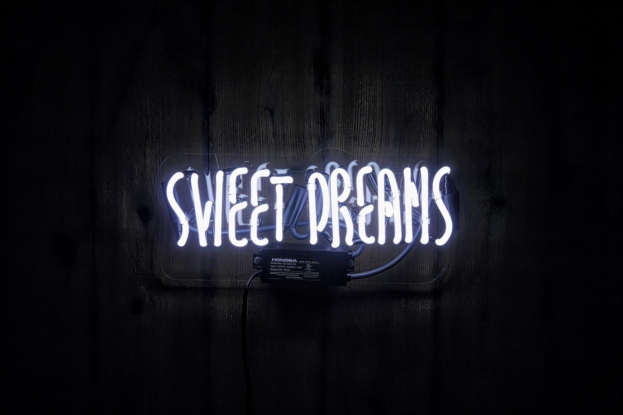 sweet dreams text flirt The age of text message flirting is here and thriving are you armed with the perfect lines to woo that special lady in your life whoever you are, whatever your age or whatever your outlook in life, there are few of us who don't enjoy a little flirt from time to time.