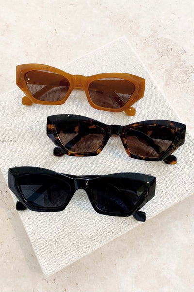KIMMY ANGULAR SUNGLASSES