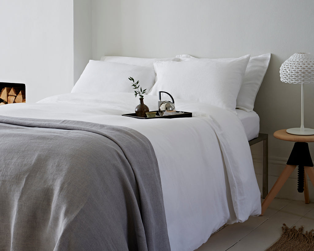 Pillowcase Housewife Classic White | Flat Sheet Classic White | Duvet Cover Classic White | Throw Hand Loom Soft Grey