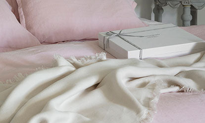 Chalk Fringe Throw and Rose Bed Linen with Gift Box