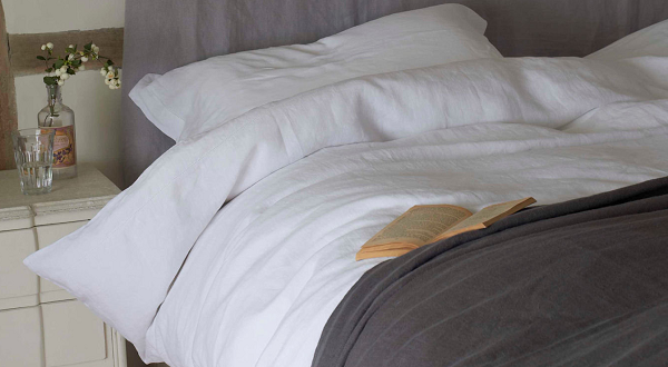 Bed Linen Classic White | Linen Throw Charcoal