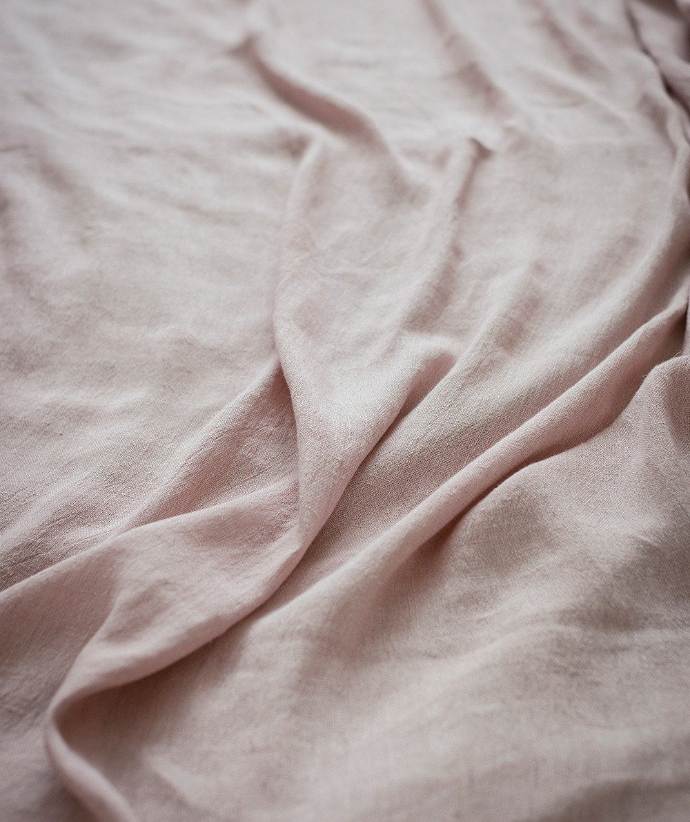 lifestyle|pale rose