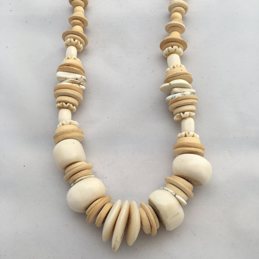Twine & Twig -Long Cliff Classic - Cream Necklace