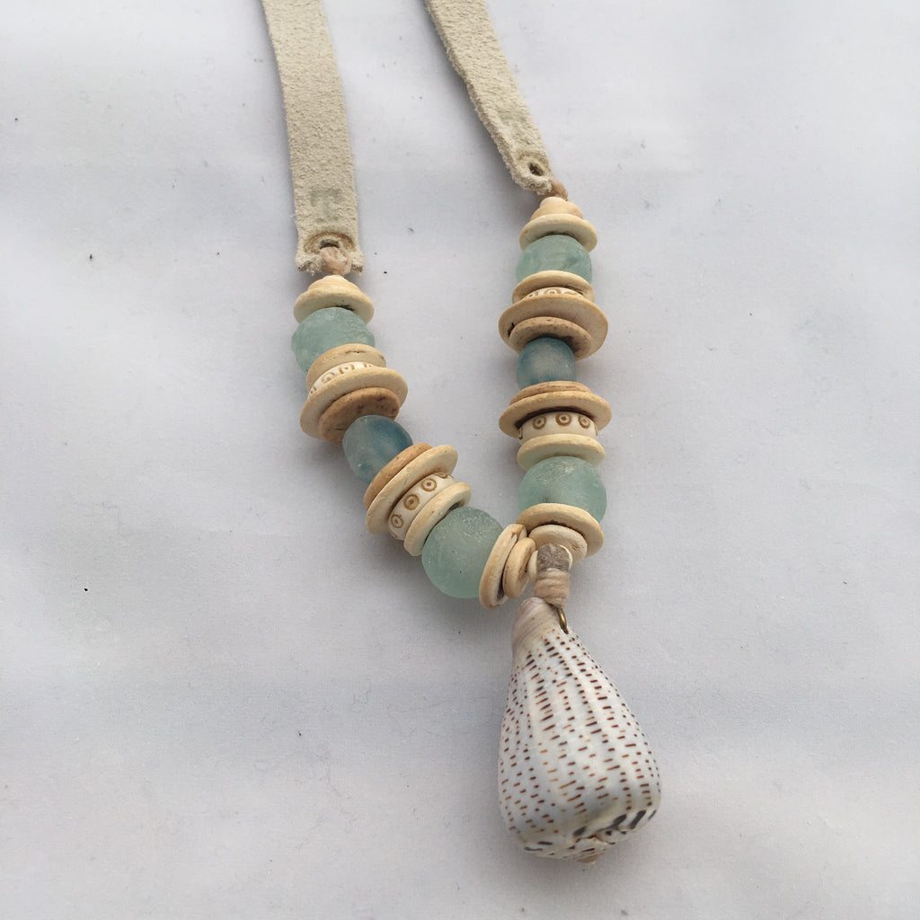 Twine & Twig Slim Shell Necklace-Mint