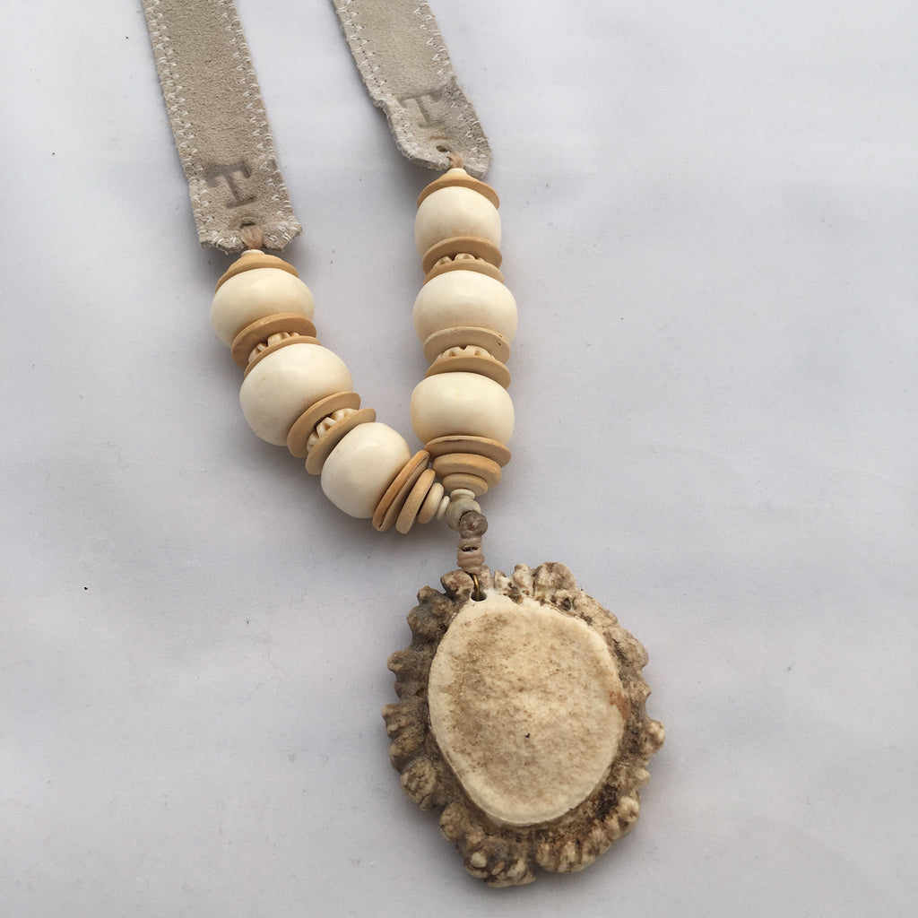 Twine & Twig- Trail Burr Necklace- Cream