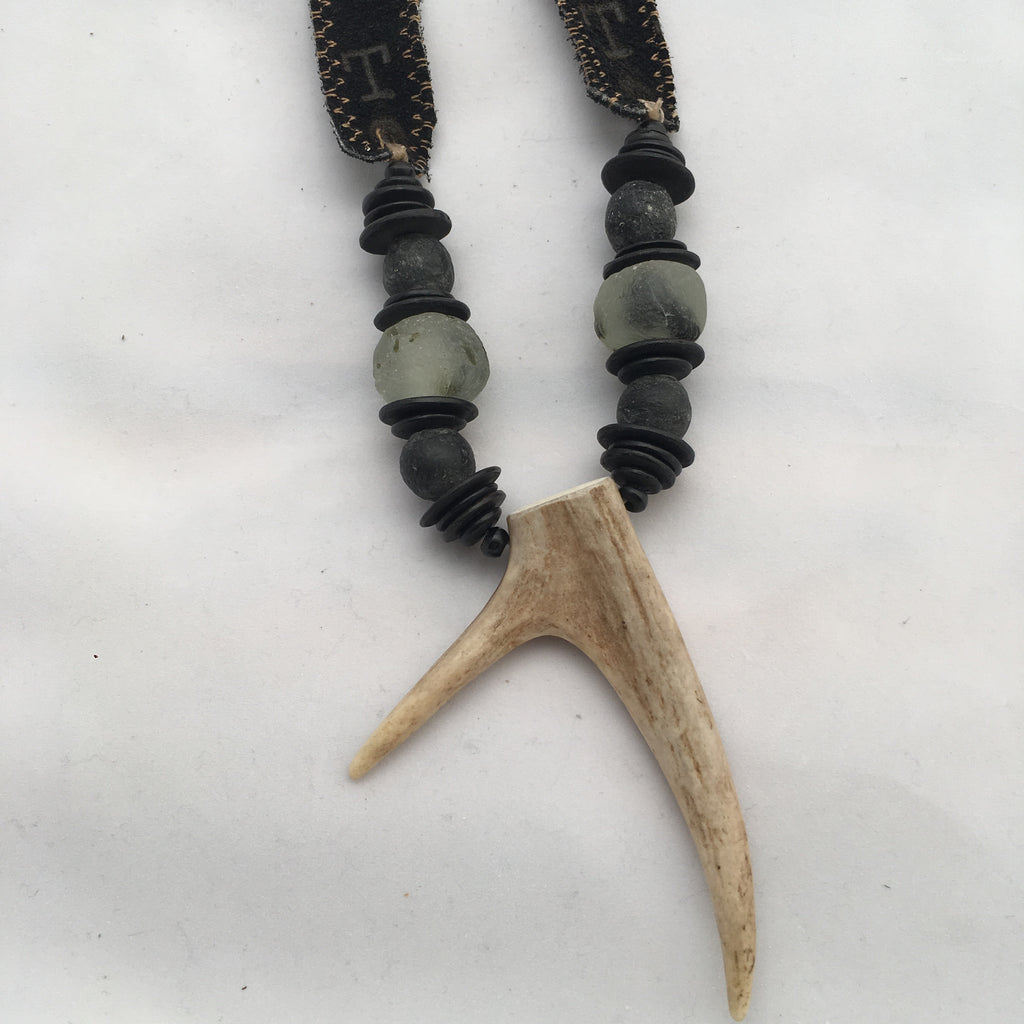 Antler Double Tip Necklace- Black