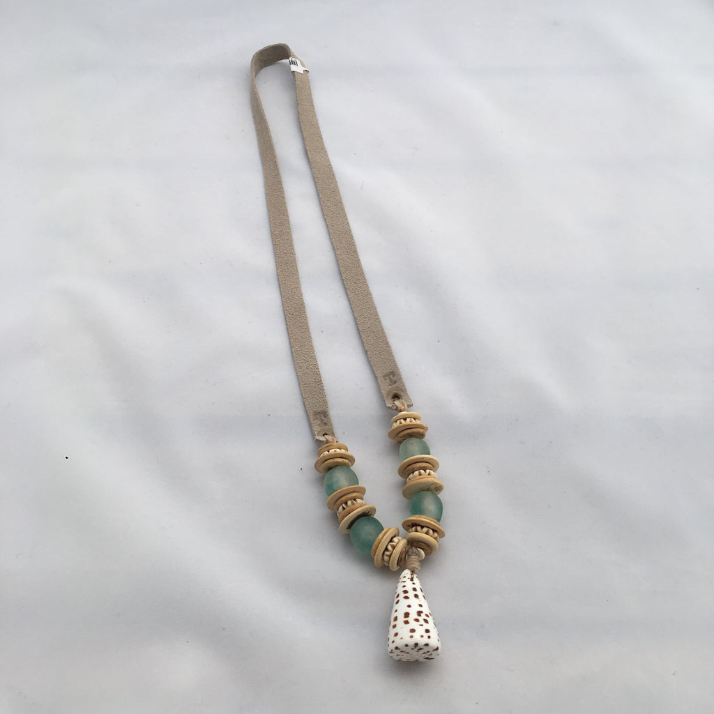 Twine & Twig- Slim Shell Necklace-Mint