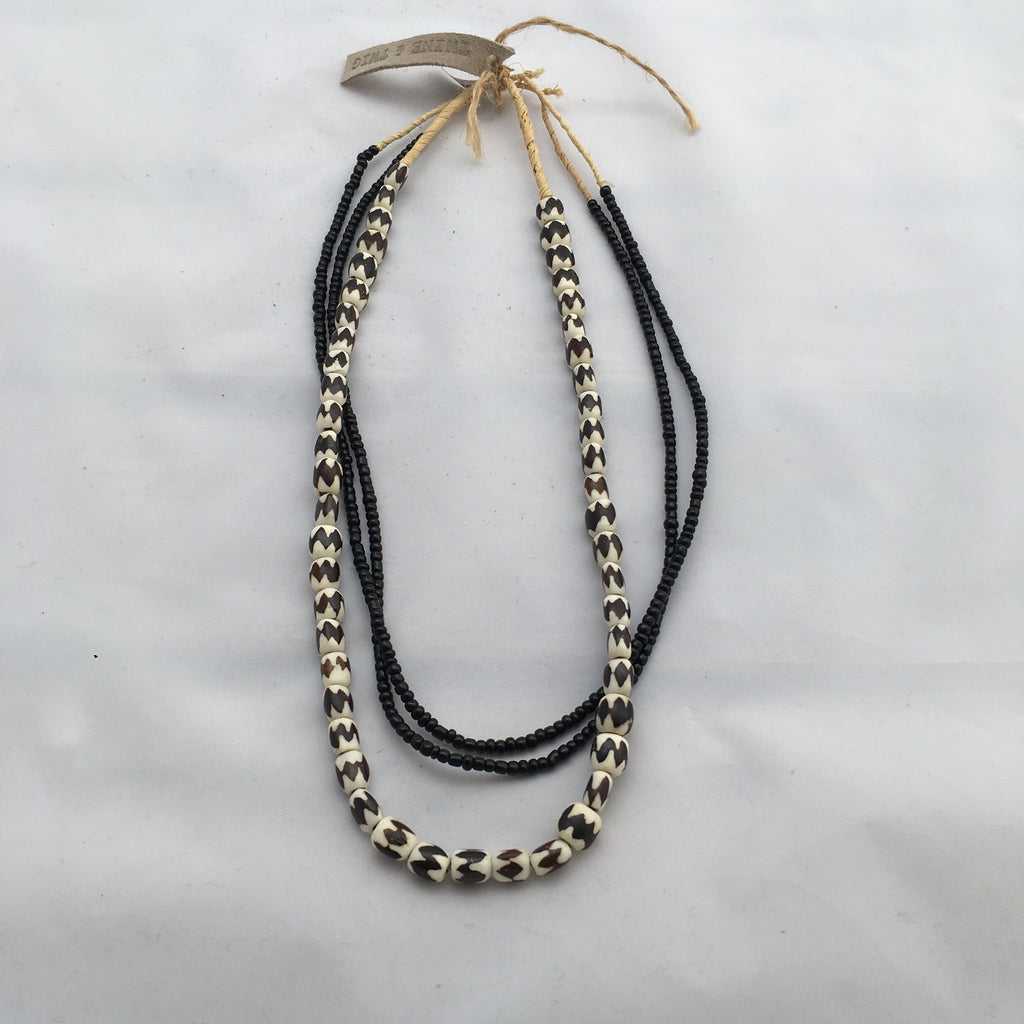 Twine & Twig- Black/Cream Layers Necklace