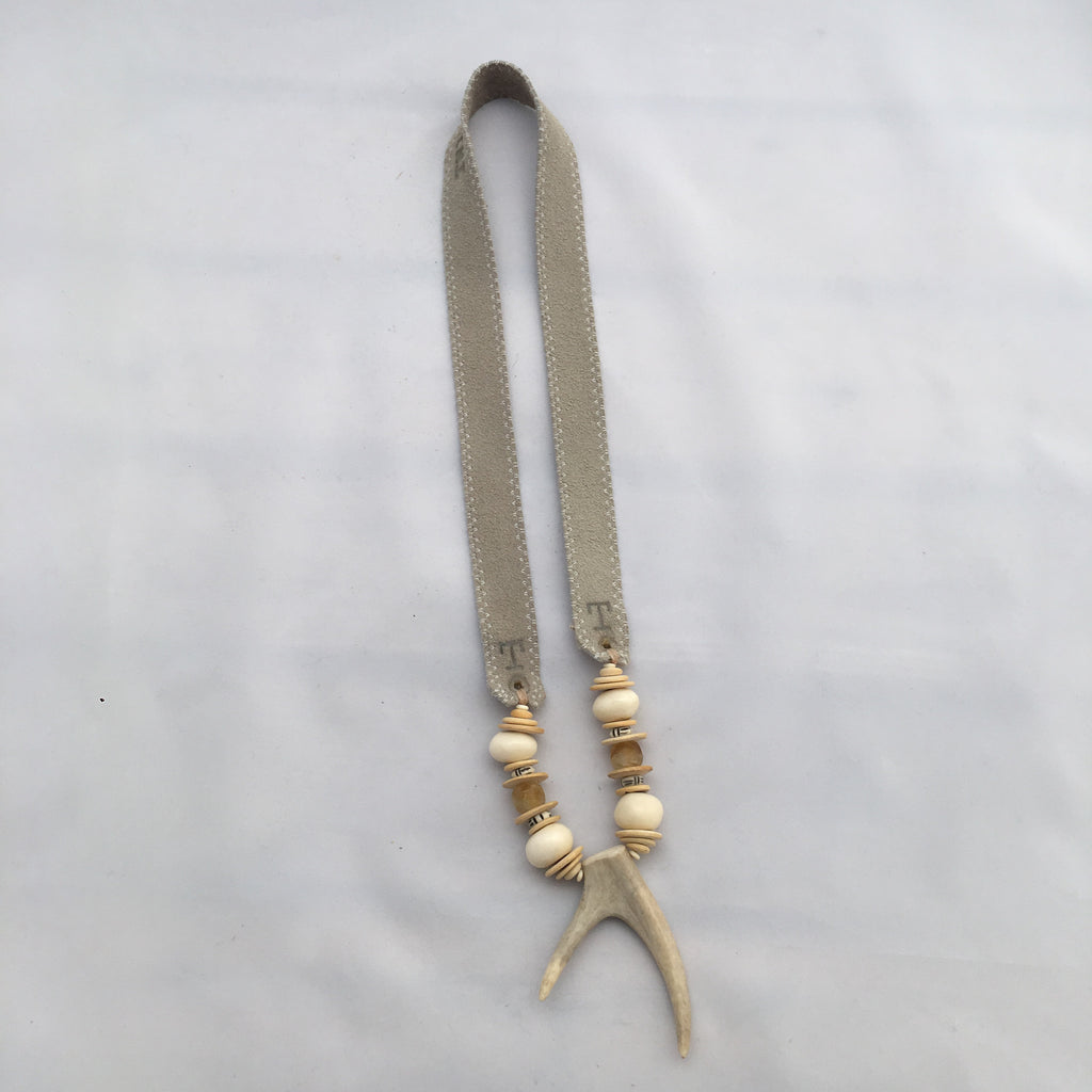 Antler Double Tip Necklace- Beige