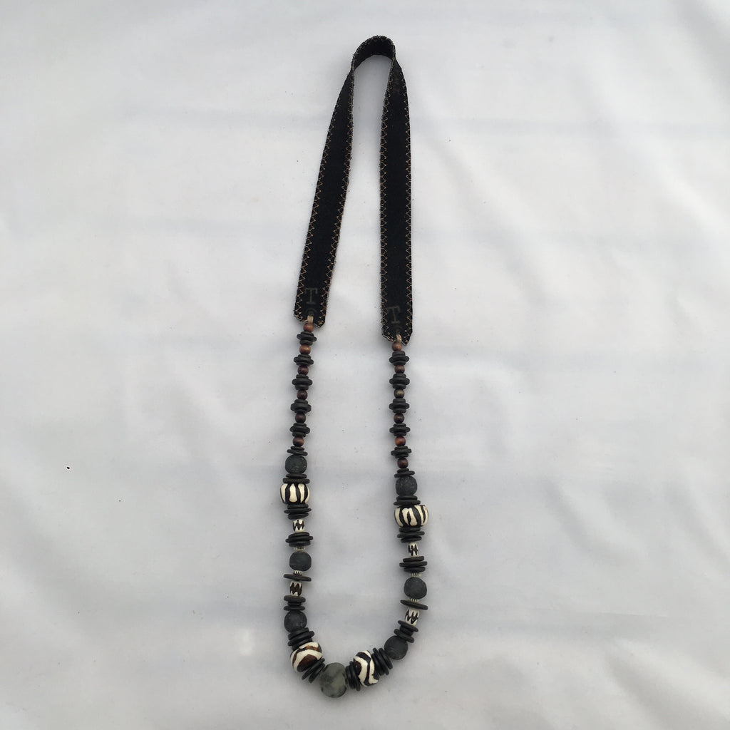 Twine & Twig - Long Cliff Classic- Black Necklace