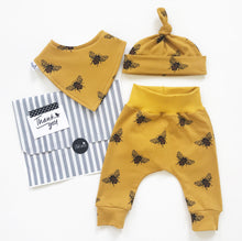 Load image into Gallery viewer, Mustard bee baby gift set
