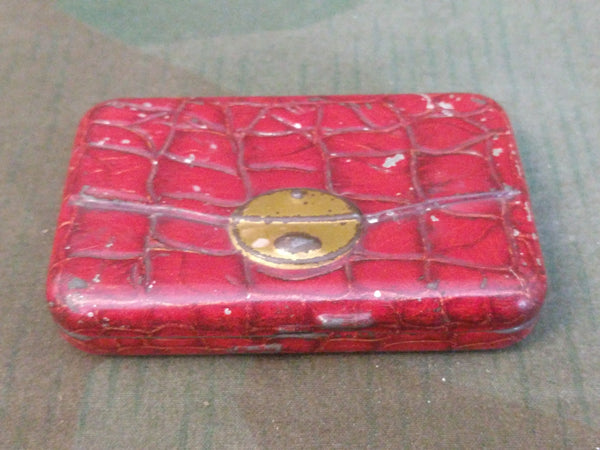 Red Embossed Tin Leather Purse Look