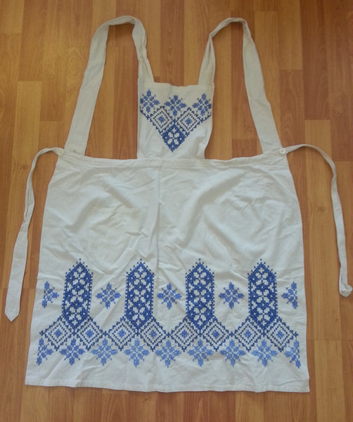 Vintage 1930s / 1940s German Apron w Needlework Designs