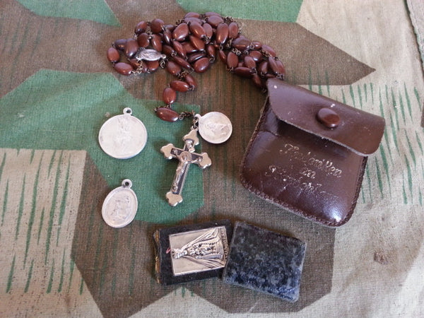 Vintage WWII-era German Rosary in Pouch
