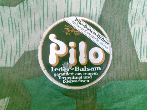WWII 1930s 1940s German Pilo Shoe Polish Tin