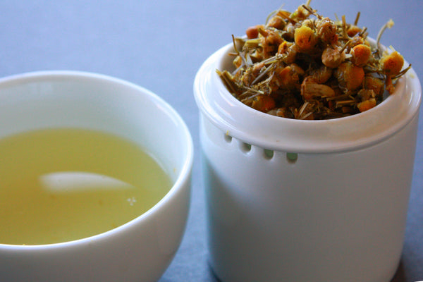 Organic Chamomile Lemongrass herbal blend with Bamboo Infuser