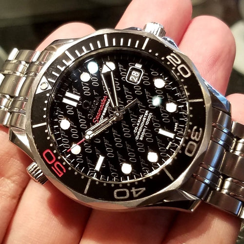 "Omega Seamaster Diver 300m ""James Bond 50th Anniversary Limited Edition"" 212.30.41.20.01.005 (Out of Production)"
