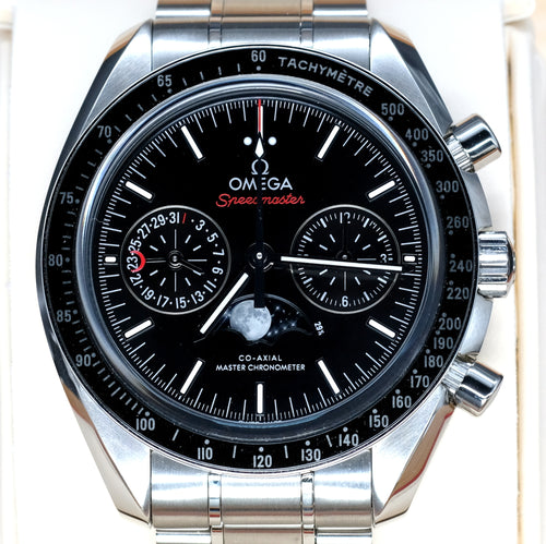 [Pre-Owned Watch] Omega Speedmaster Moonwatch Co-Axial Master Chronometer Moonphase Chronograph 44mm 304.30.44.52.01.001