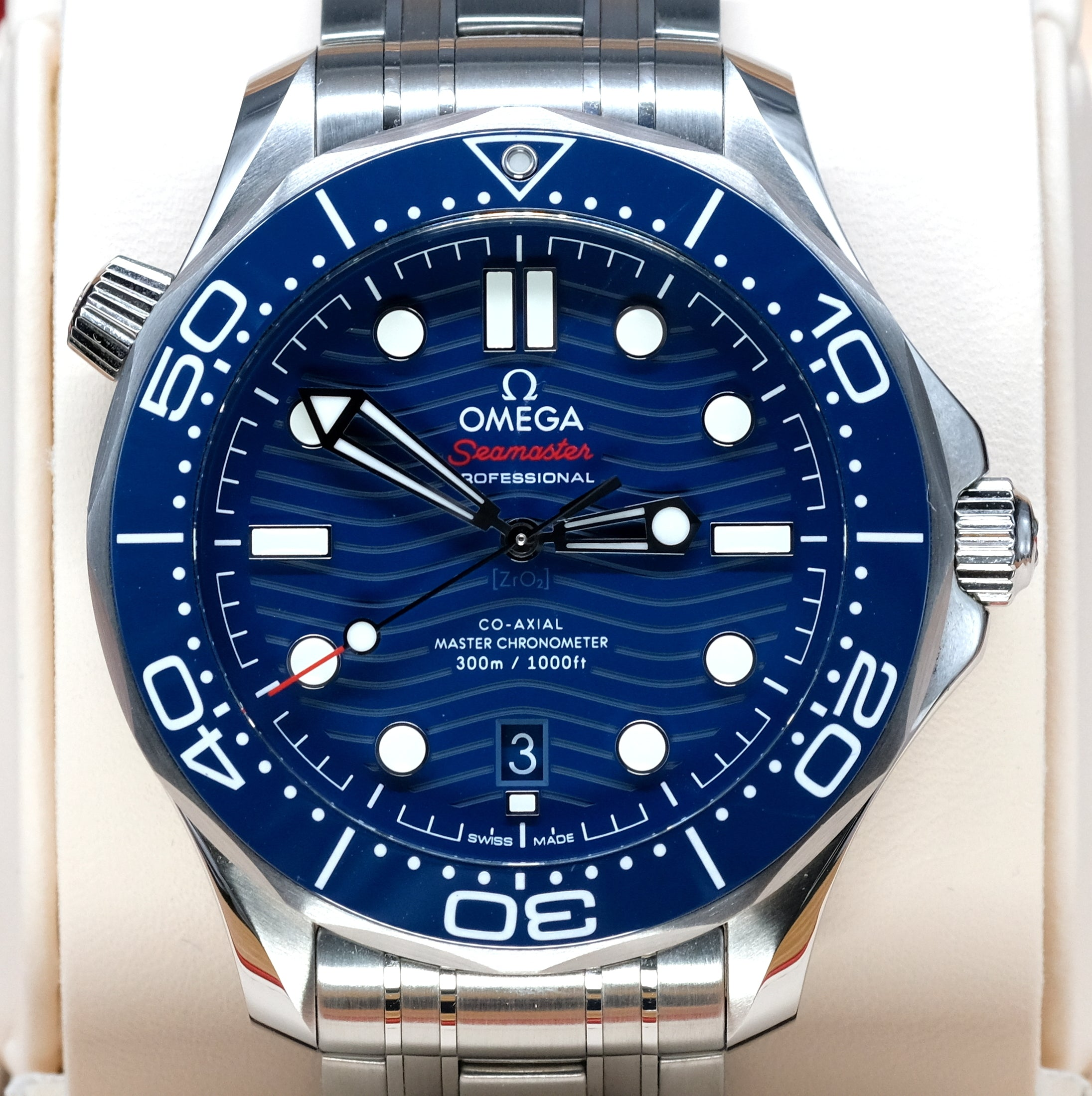 [Pre-Owned Watch] Omega Seamaster Diver 300m Co-Axial Master Chronometer 42mm 210.30.42.20.03.001