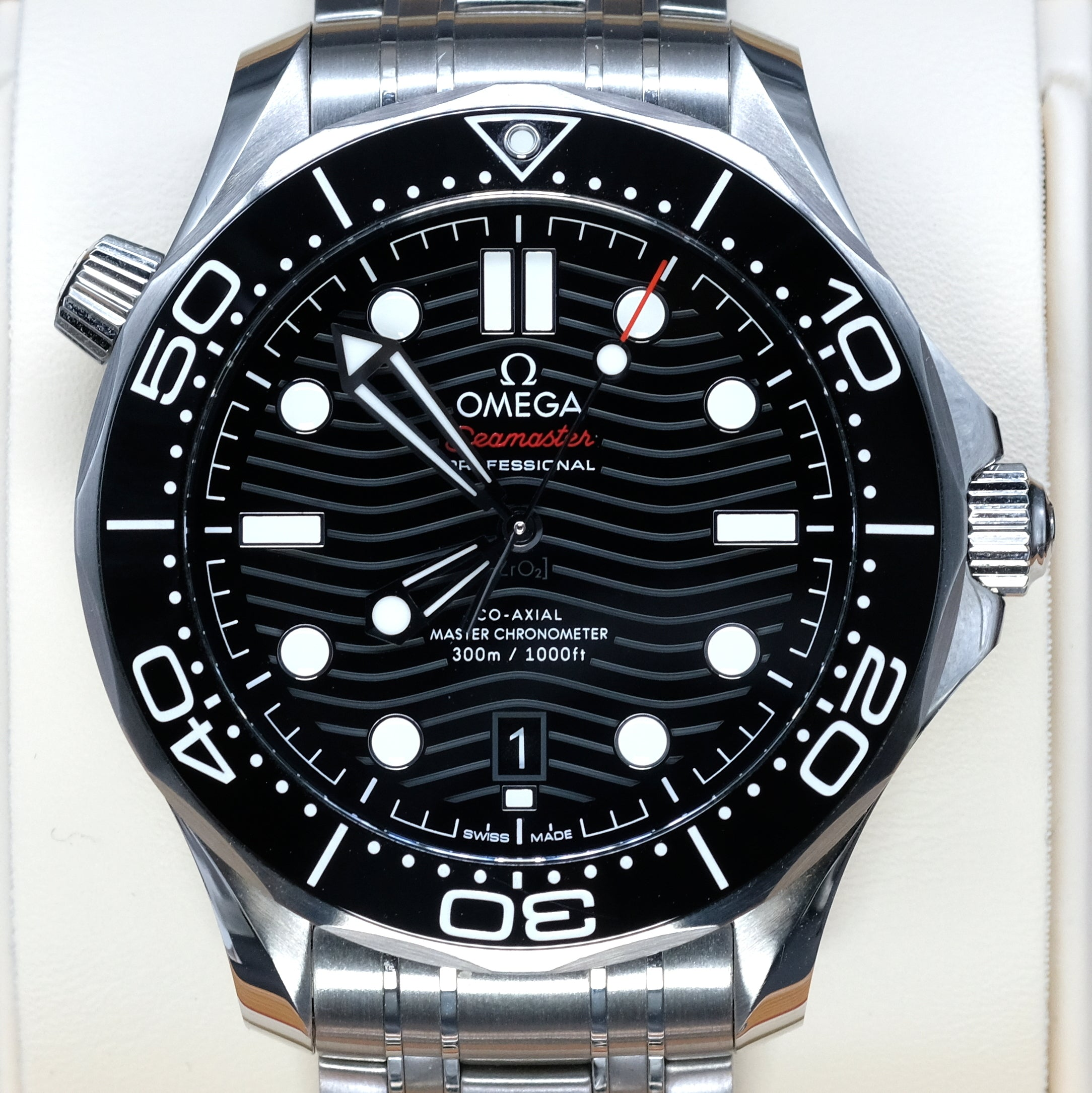 [Pre-Owned Watch] Omega Seamaster Diver 300m Co-Axial Master Chronometer 42mm 210.30.42.20.01.001