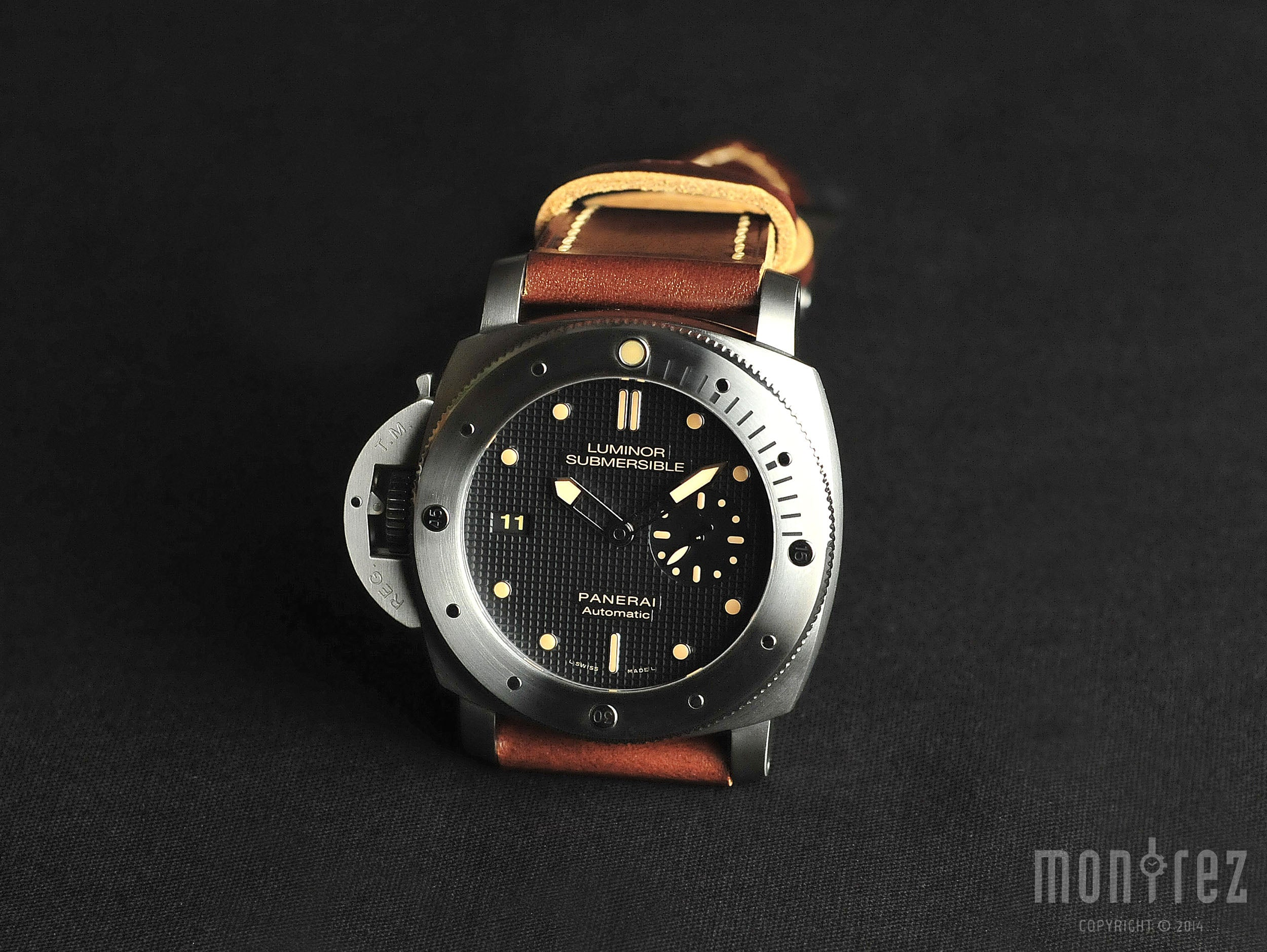 Panerai Luminor 1950 Submersible Left-handed Titanio 47mm PAM00569 (Special Edition)