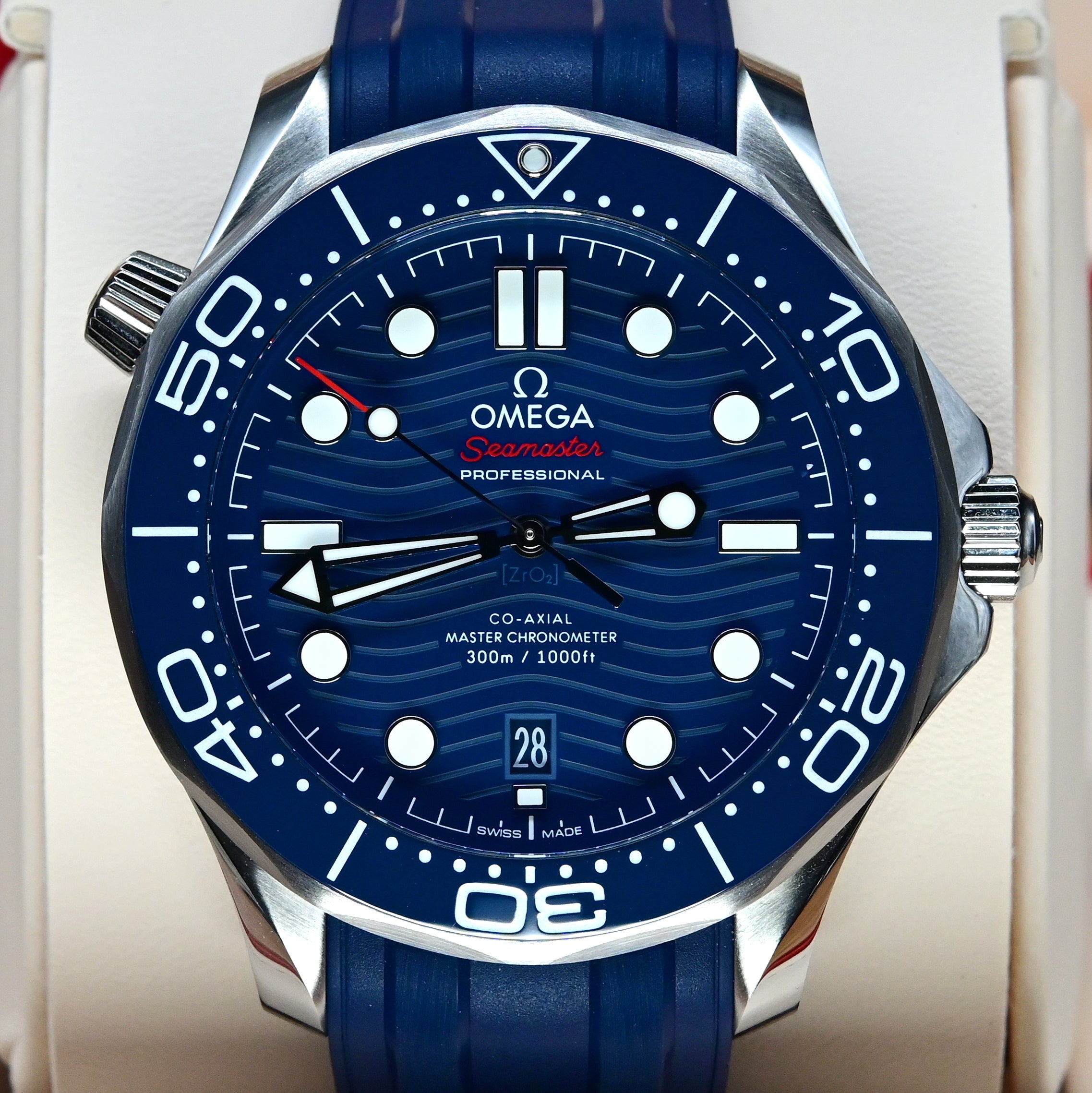 [Pre-Owned Watch] Omega Seamaster Diver 300m Co-Axial Master Chronometer 42mm 210.32.42.20.03.001