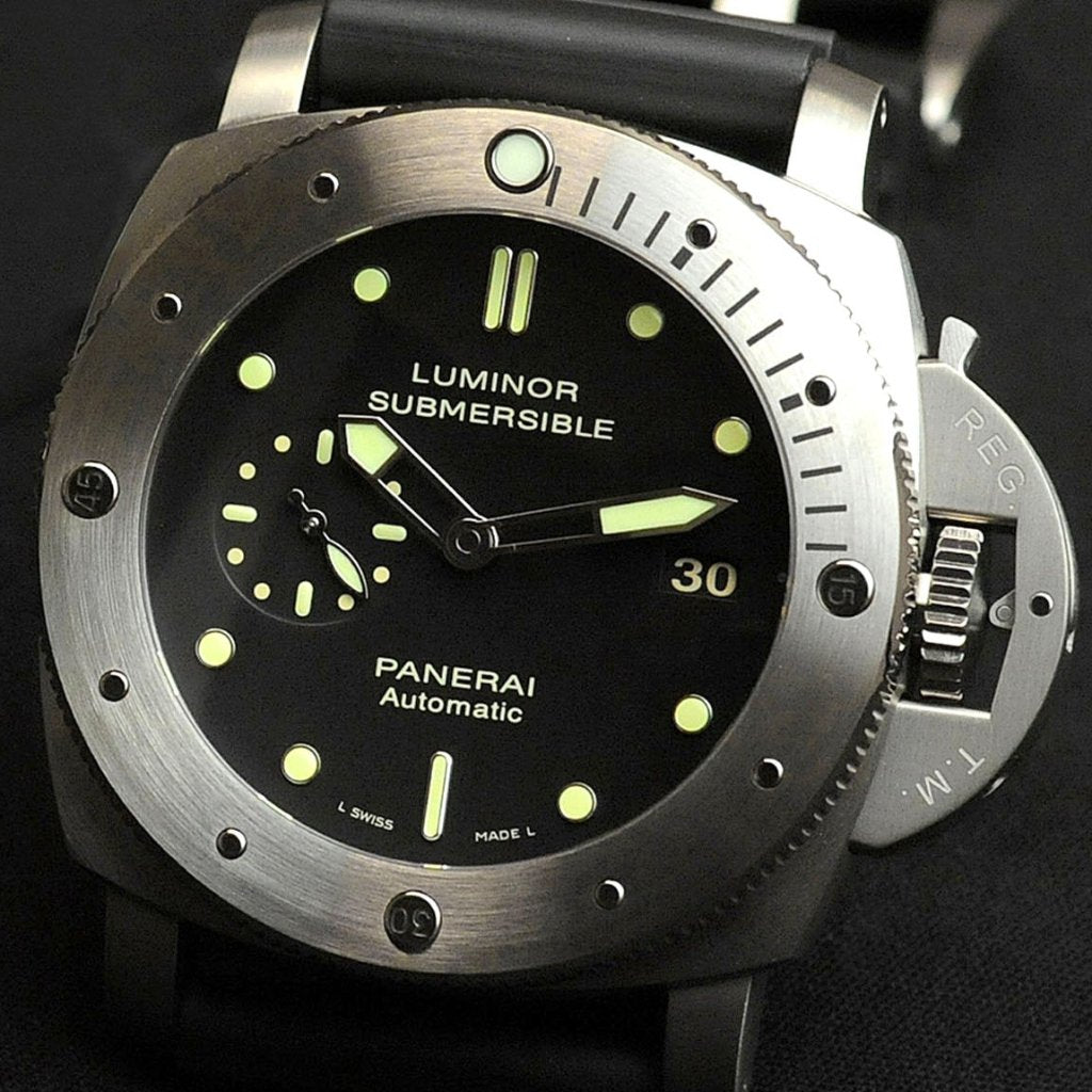 Panerai Luminor Submersible 1950 3 Days Automatic Titanio 47mm PAM00305 (Out of Production)
