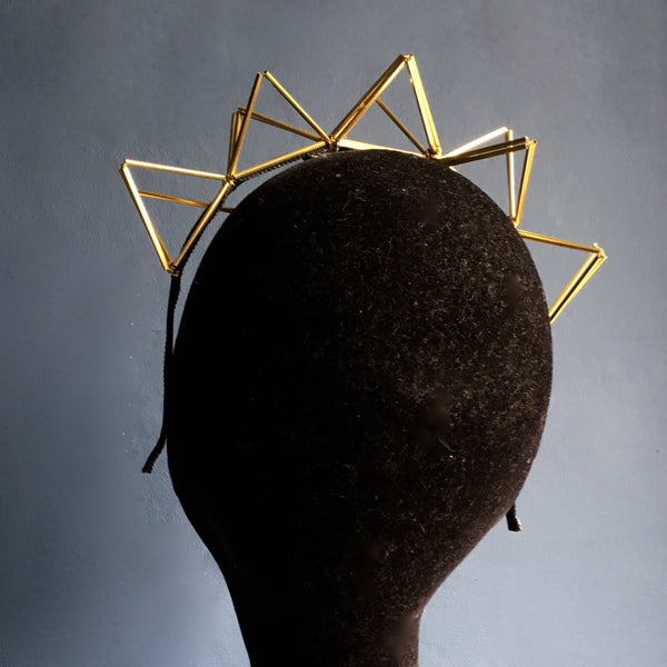 TRIANGLE BRASS CROWN
