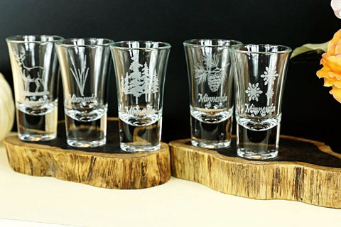 Minnesota Etched Deer Shooter Glass