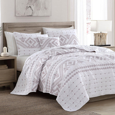 Brielle Home Cross Stitch Quilt Set Red