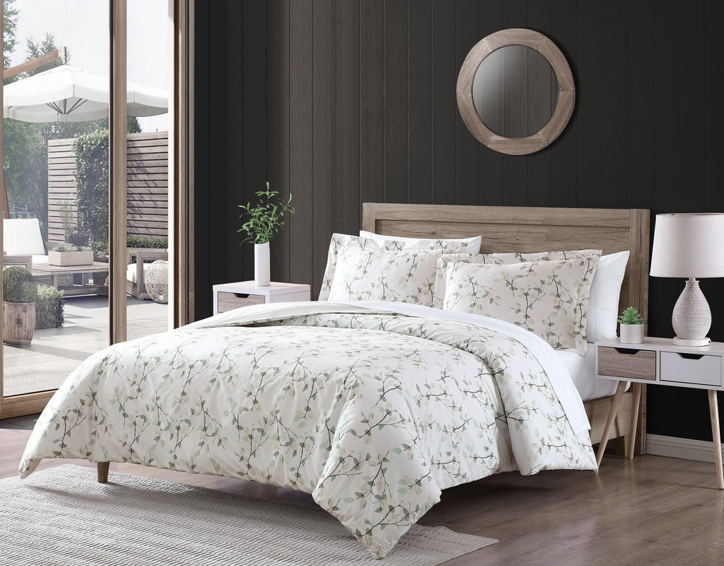 Brielle Home Everly Watercolor Leaves 100% Cotton Comforter Set
