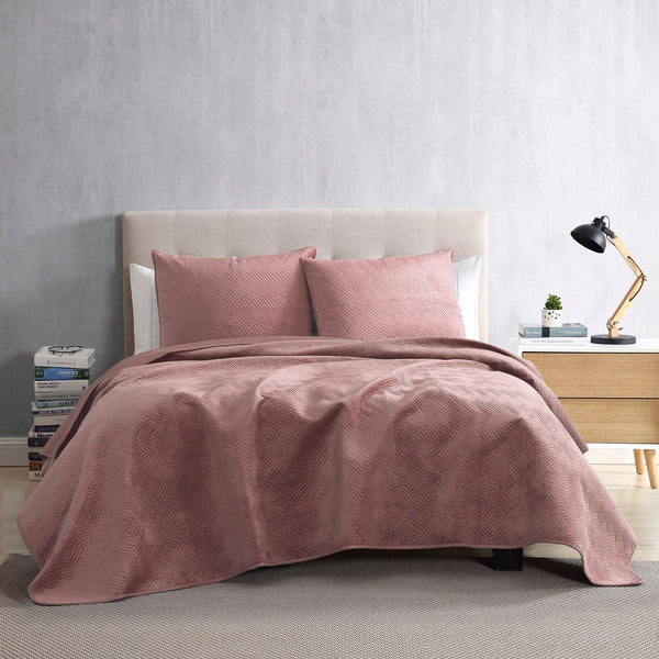 Brielle Home Hayden Velvet Quilt Set