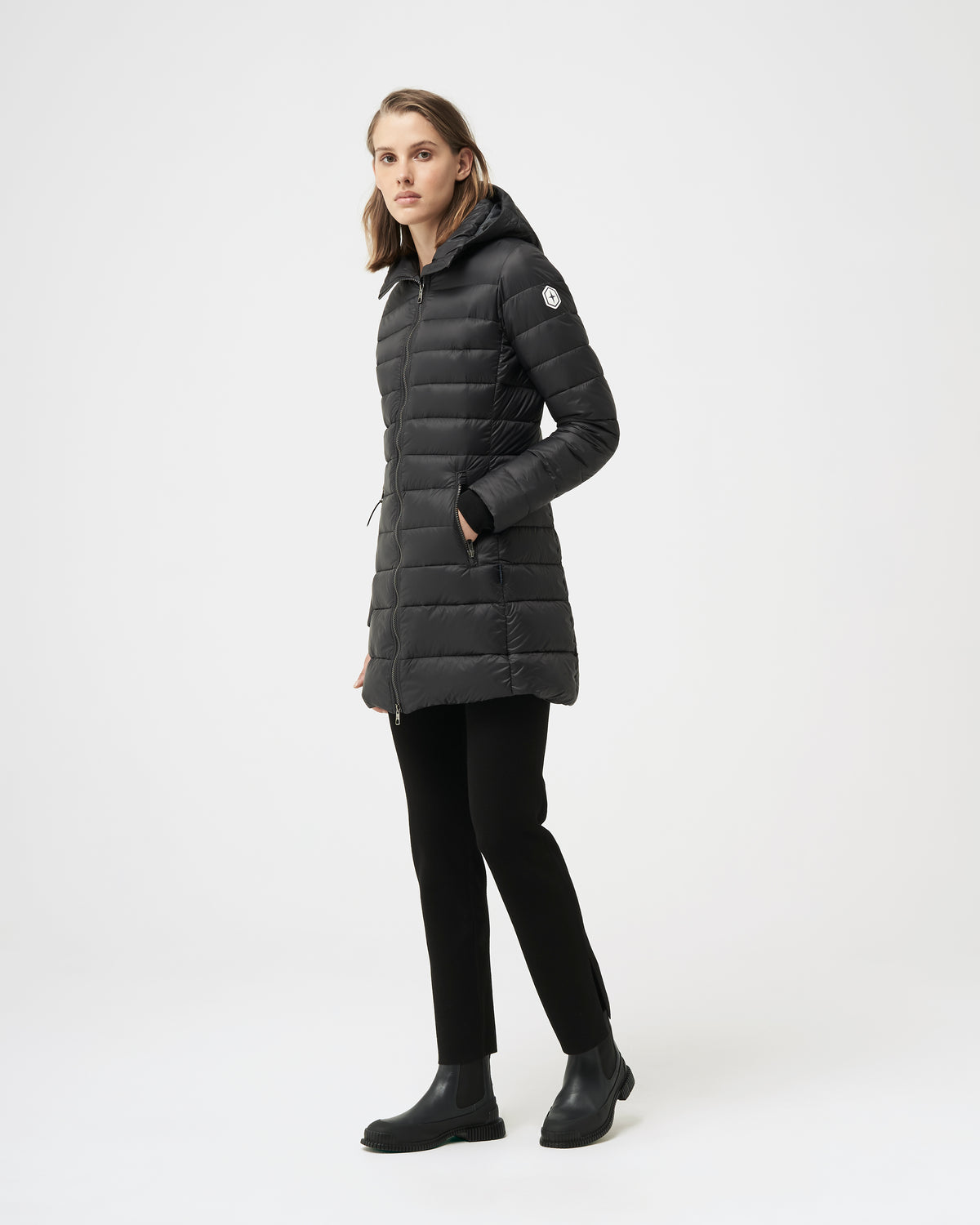 Quartz Co. - Canadian Made Winter Jackets | Woman | Lausanne | Women Down Lightweight jacket | Side