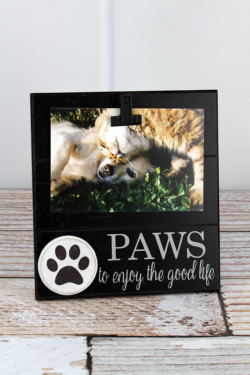 8 x 7.5 'Paws' 4x6 Photo Display