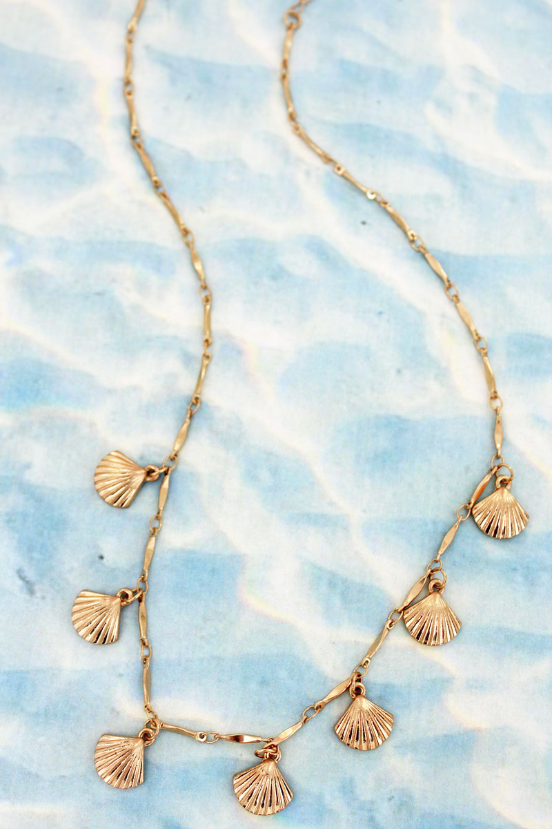 Goldtone Clam Shell Charm Necklace
