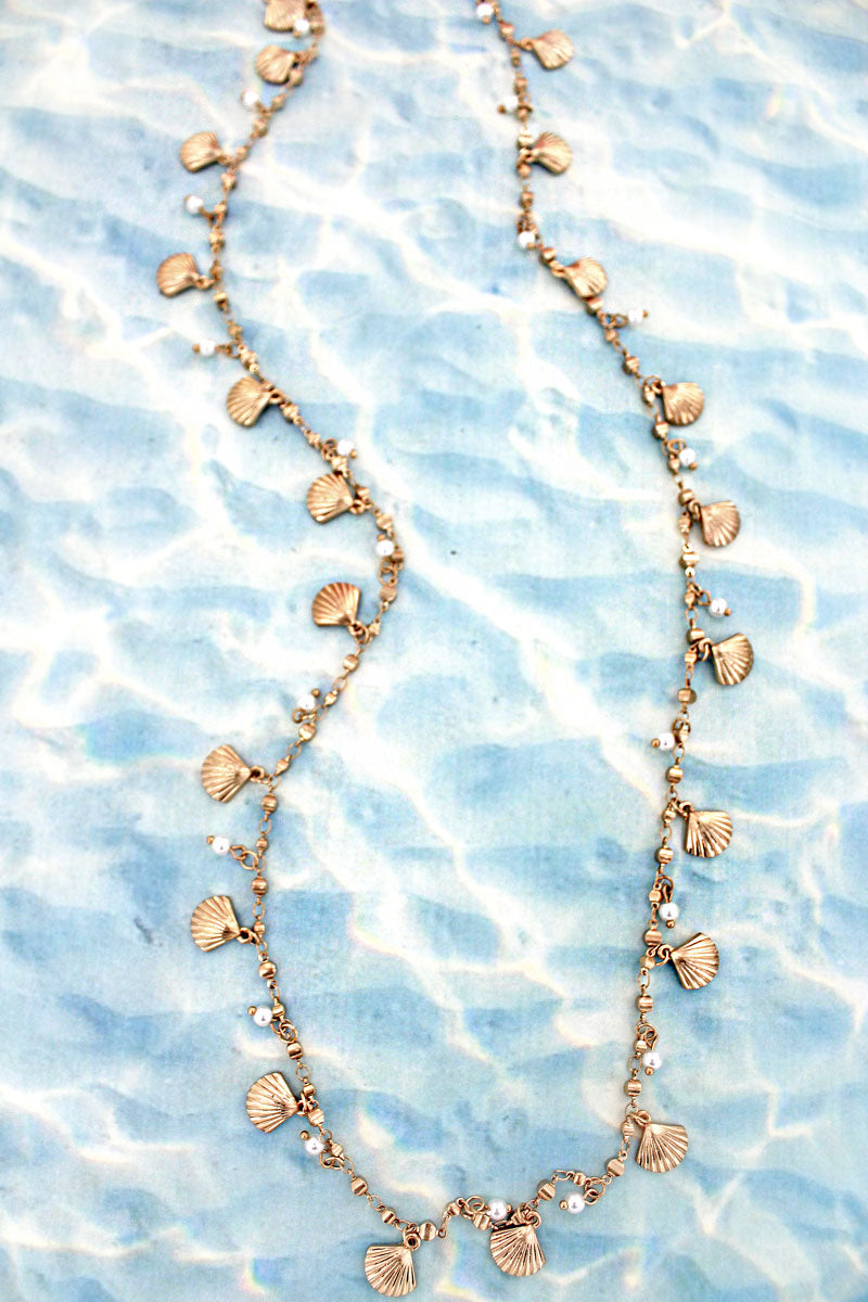 Goldtone Clam Shell and Pearl Charm Necklace